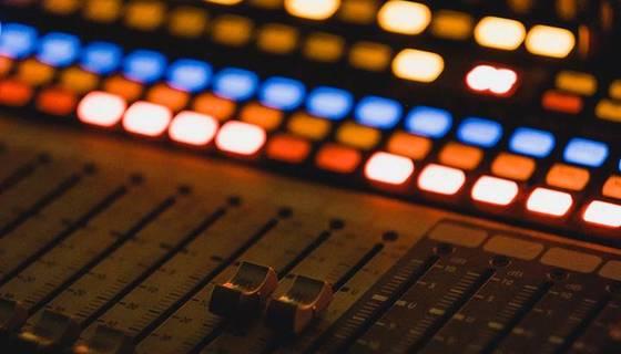 Ε.ΤΡΑΓΑΚΗ: ΣΥΝΕΝΤΕΥΞΗ ΣΤΟΝ REAL FM ΓΙΑ ΤΗ ΣΥΝΕΧΙΣΗ ΛΕΙΤΟΥΡΓΙΑΣ ΤΩΝ ΕΙΔΙΚΩΝ ΣΧΟΛΕΙΩΝ
